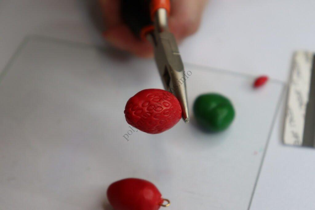 15 Strawberry earrings made of polymer clay