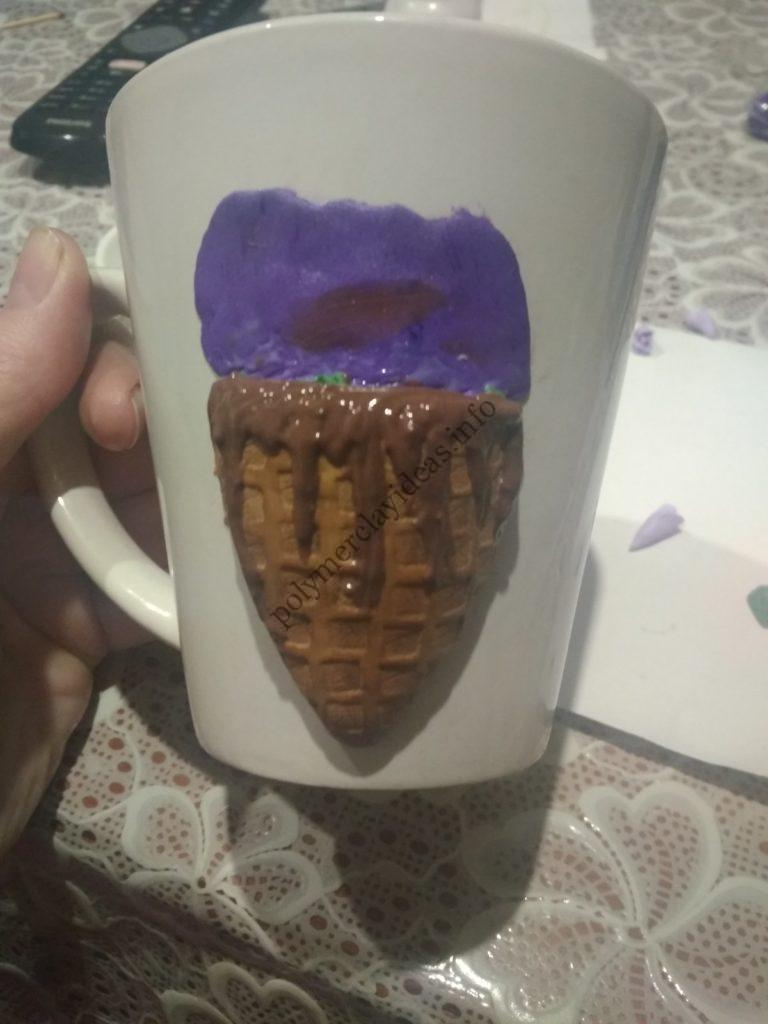 7 Polymer clay decor: Ice cream cone with roses and sweets