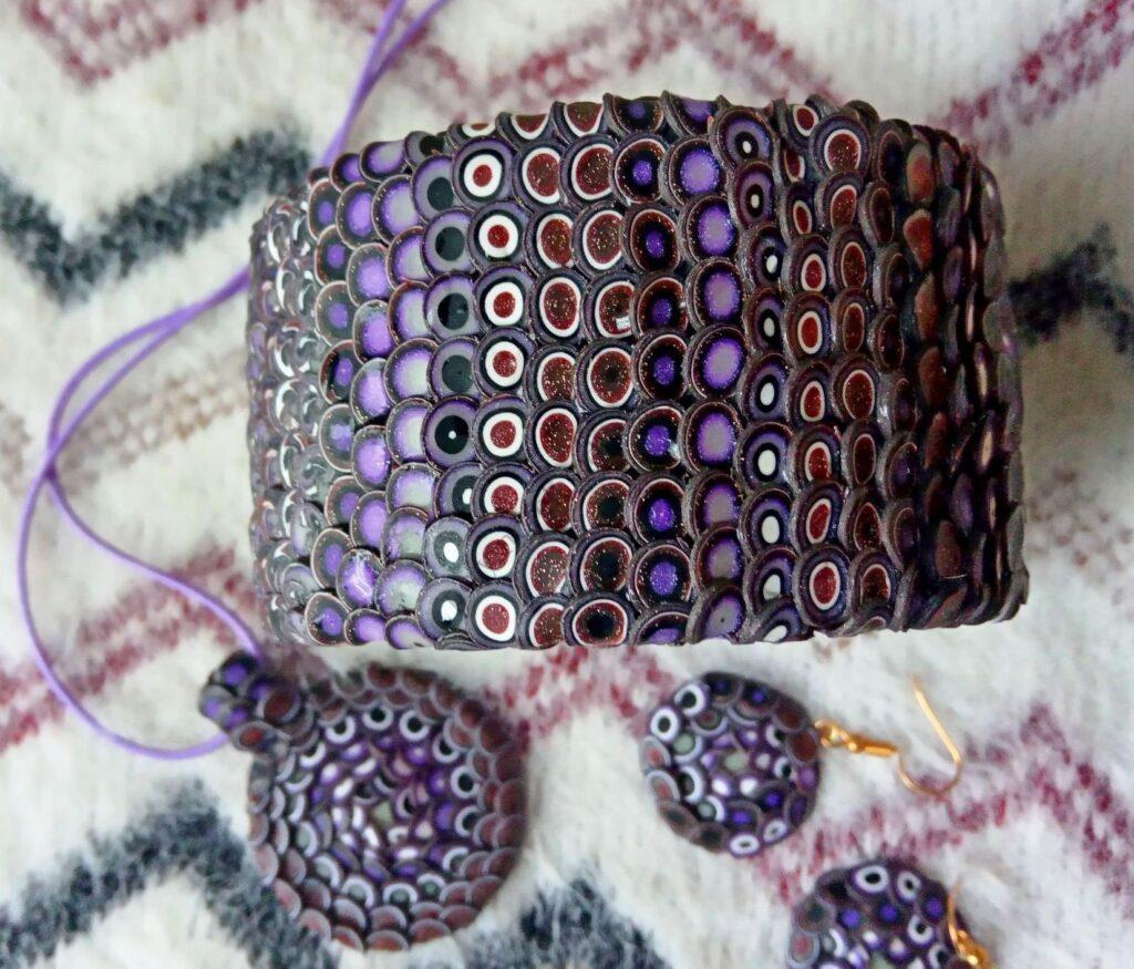 Scaly Jewelry Set: Bracelet, Pendant, Earrings. A photo tutorial on modeling.
